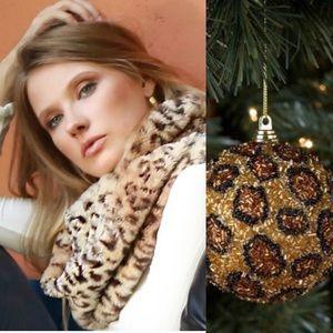 Accessories - Leopard Faux Fur Infinity Scarf🧣